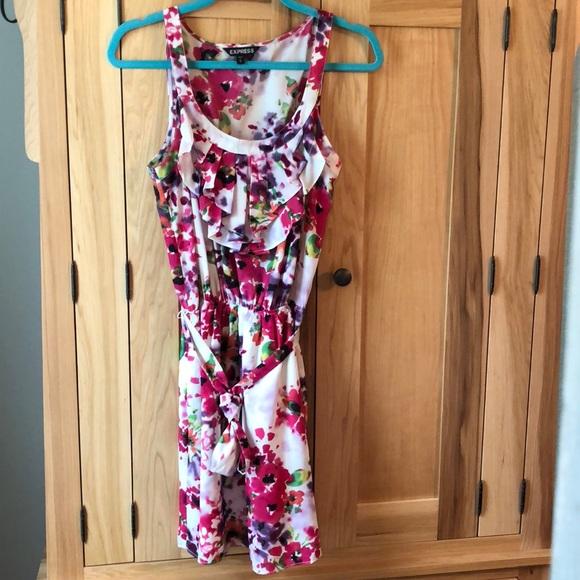 Express Dresses & Skirts - Express floral dress